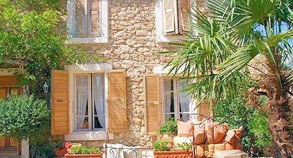 holiday accommodation south of france garden