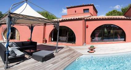 french villa rentals pool1