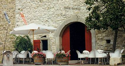 canal du midi restaurants languedoc caf du port. Black Bedroom Furniture Sets. Home Design Ideas