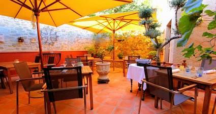 La Mariqiere Restaurants Carconne