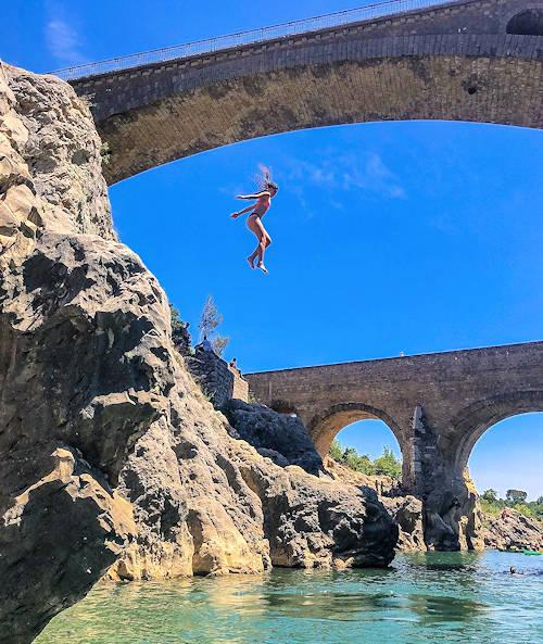 wild swimming pont du diable france