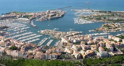 Go languedoc cap d 39 agde beach resort in france - Liste des ports de plaisance en france ...